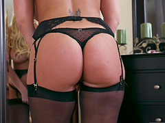 Big butt MILF Brooklyn Chase in stockings enjoys riding a younger man