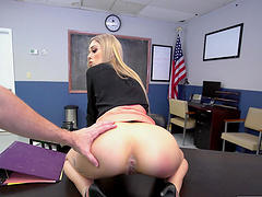 Tattooed hottie Kali Roses enjoys getting fucked in the butt