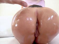 Oiled Latina Assh Lee gets fucked balls deep in both fuck holes