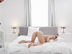 Adorable chick Vinna Reed moans while getting fucked on the bed