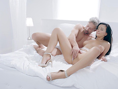 Dude with a large dick fucks orgasmic pussy of cute Alyssia Kent
