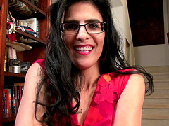 Naughty mature Theresa Soza opens her legs to pleasure her pussy