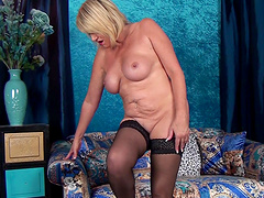 Chubby mature Amy Goodhead enjoys pleasuring her wet pussy