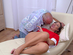 Cum in moth ending after fucking with nice wife Veronica Rossi