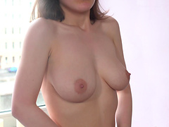 Sweet solo girl Alice Benz moans while pleasuring her wet pussy