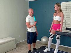 Hardcore fucking in missionary with irresistible Daisy Stone