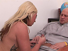 A Face Full Of Cum For A Blonde After Giving Head