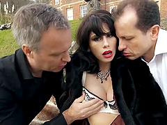 Double Penetration Outdoors In A Threesome