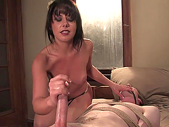 Bondage Games With A Kinky Brunette