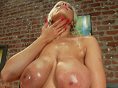 A Great Time With Fucking Machines For Holly Brooks