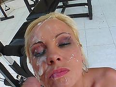 Cum thirsty slut gets her fix