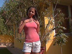 Horny Teen Plays With Her Shaved Pussy Outdoors
