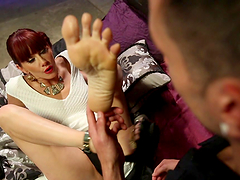 A Hot Foot Worshiping Scene With A Smoking Hot Redhead
