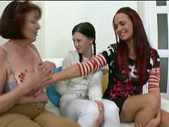 Old gash has lesbian threesome with cuties