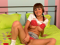 Slutty teen gives all she's got in casting