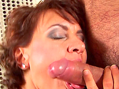 A messy facial for a hot mature