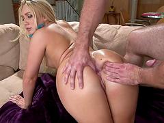 Blonde whore sucks dick & gets nailed