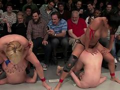 Couple hotties wrestle naked on the floor