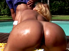 Rough outdoors sex with the hot Brenda Brachto