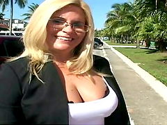 Hot sex outdoors with the sexy Suzanna