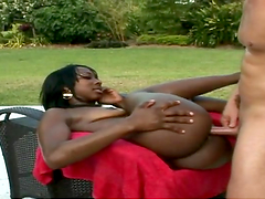 Rough sex by the pool with the ebony babe Kiki Hawian