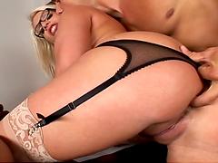 Big titty blonde bitch fucks the boss