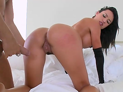 Rough sex with the thick brunette Franceska Jaimes