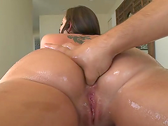 Amazing anal sex with the bootylicious Kelly Divine
