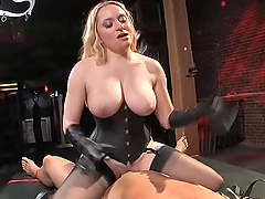 Incredible sex withthe busty blonde babe Aiden Starr