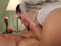 Hot brunette takes cock from ripped stud