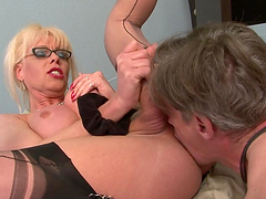 Hot sex with a very horny blonde shemale