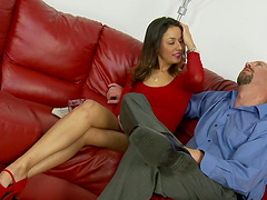 Rough sex leaves Gigi Loren with a mouthful of cum
