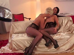 Horny babes leaves you speechless with a lesbian moment