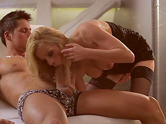 Bella Karina gives great head before being fucked +