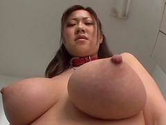 Large-breasted Jap hottie sucks dick & spits cum in her hand