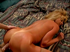 Blonde slut takes a hardcore fuckin' from some dude
