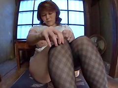 Horny Japanese slut fingers her nice pussy