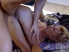 Homemade amateur video of wife Autumn Daye getting fucked deep