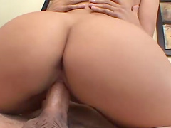 Pierced clit hottie Presley Maddox opens legs to be fucked in missionary