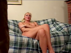 Anal loving wife spreads her legs to be fucked and earns a facial