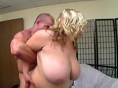 Amateur homemade video of chubby mature Kacey Parker having sex