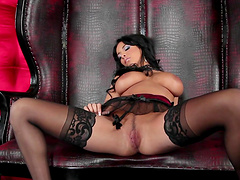 Video of naughty cougar Anissa Kate pleasuring her horny pussy