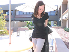 Shaved pussy cutie drops her jeans in outdoors to masturbate