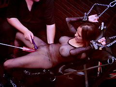 Sexy babe is tortured in smoking hot bondage clip