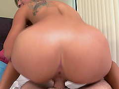 Stunning room-mate gives head and turns around to ride his dong