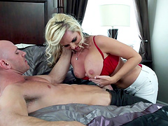 Wild fucking on the bed ends with cum in mouth for Alena Croft