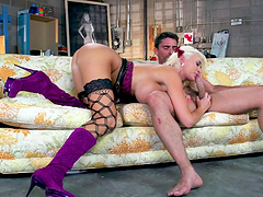Slutty wife Summer Brielle fucked by her lover and gets a facial