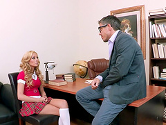 Blonde wife Nikki Seven earns her facial with dick riding skills