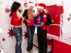 Kinky Christmas Eve sex with hot Diana Prince and Puma Swede