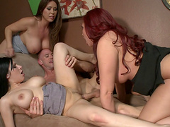 Wild sex party with horny stars Kelly Divine and Kianna Dior